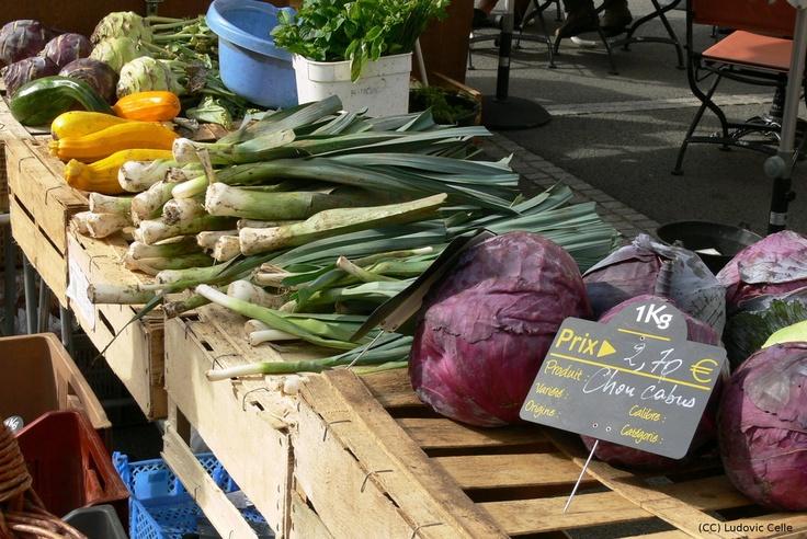 Clermont-Ferrand - Market stand