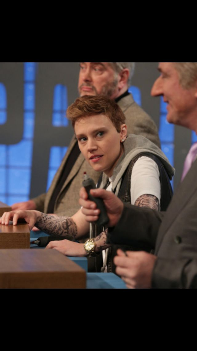 'SNL' Recap: Rose Leslie Crashes Kit Harington's Monologue