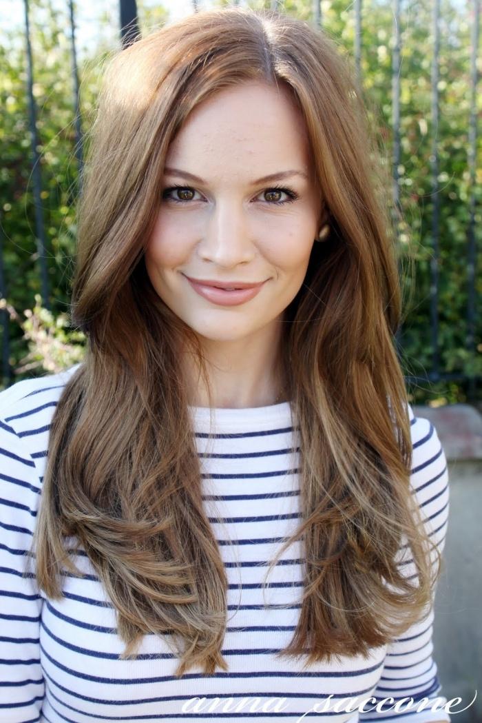 anna saccone short hair light brown