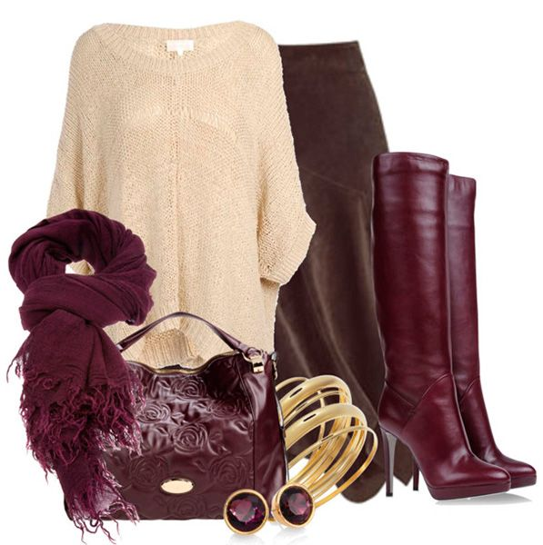 Коричневая длинная юбка и бежевый джемпер дополняют бордовая сумка и шарф