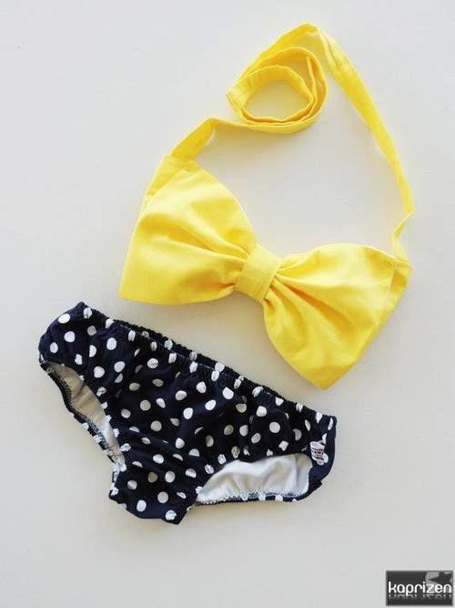 vestido de baño retro estilo 60's. ♪♪♫Era un vikini a amarillo a lunares diminuto justo....♪♪♫