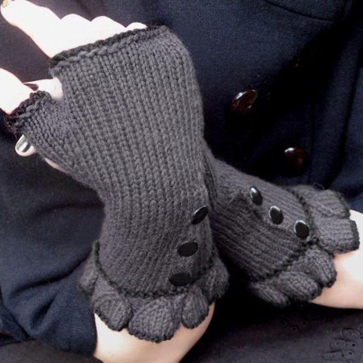 Belle Ruffle Gloves PDF download