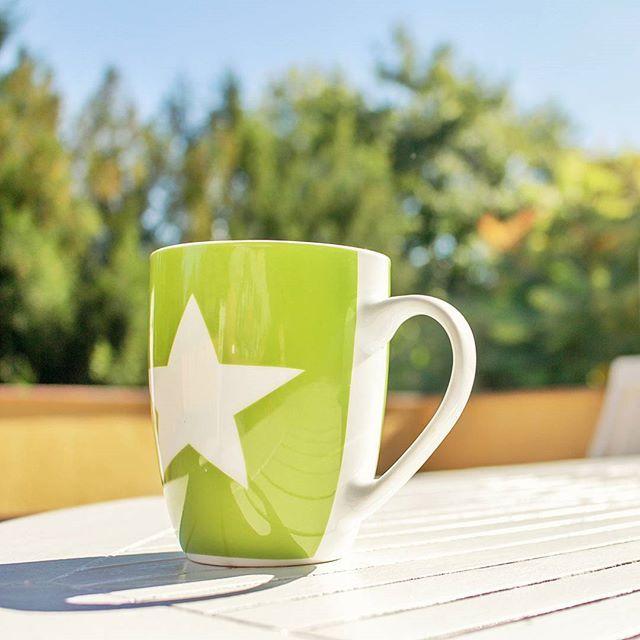 Erstmal Kaffee 😂 #kaffe #coffee #chillen #warm #terasse #vacation #fit #düsseldorf #bonn #dslr #photography #canon #sonne #sun #gönnen #expertpix #germany