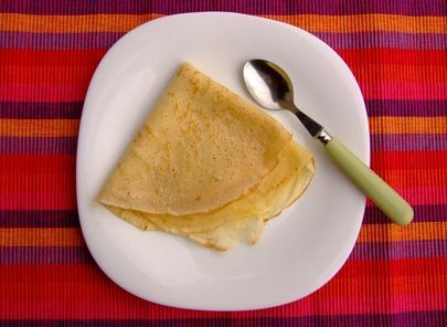 "How to make crepes with pancake mix. I do this all the time! My recipe is: 1/2 cup pancake mix,  1/3 cup milk,  2 tbs water,  1 egg.  With an 8"" pan, it makes 6-8 crepes :)"