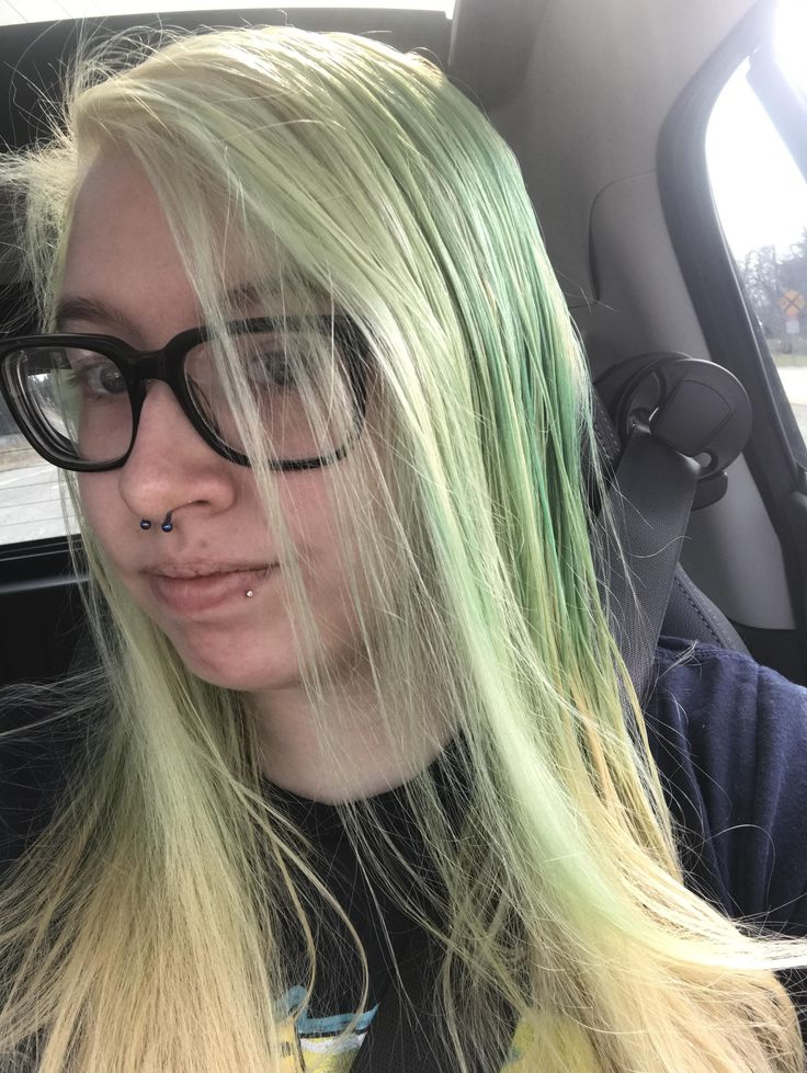 Could I do Manic Panic reds or oranges over this without much of an issue?