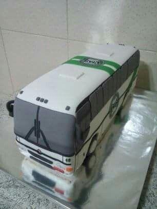 Ônibus esculpido ( bolo)