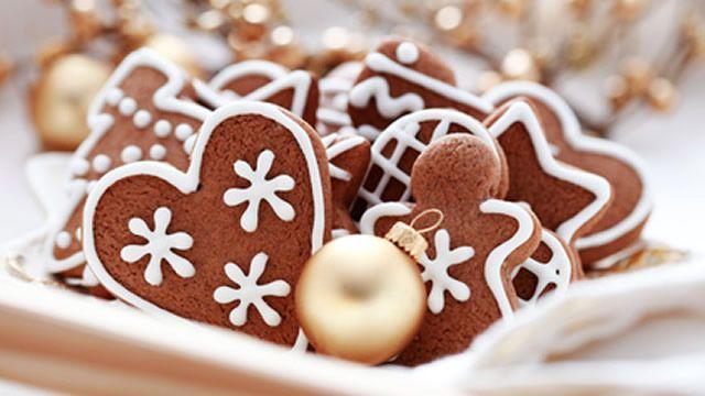 Biscuits allemands de Noël _ http://www.cuisineaz.com/dossiers/cuisine/biscuits-sables-noel-14651.aspx