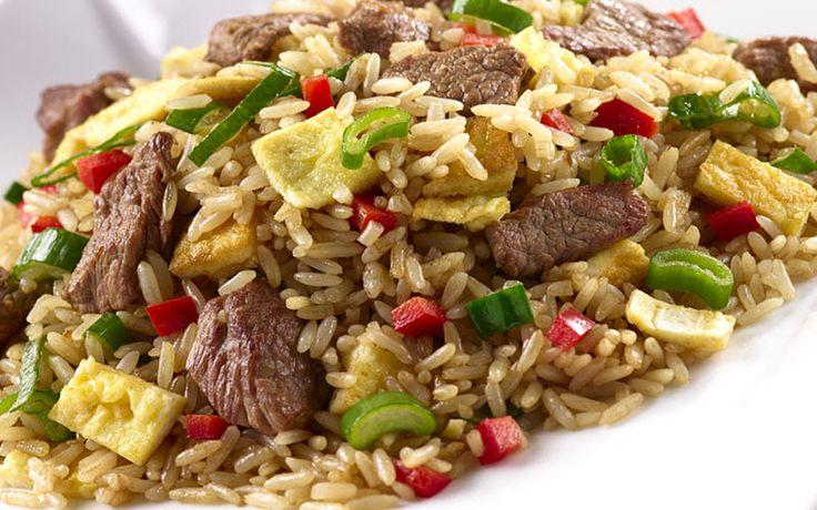 Cómo preparar el exquisito arroz chaufa de pollo o carne   CocineroPeru