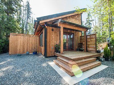 VRBO.com #715840 - New Romantic Loft Cabin!