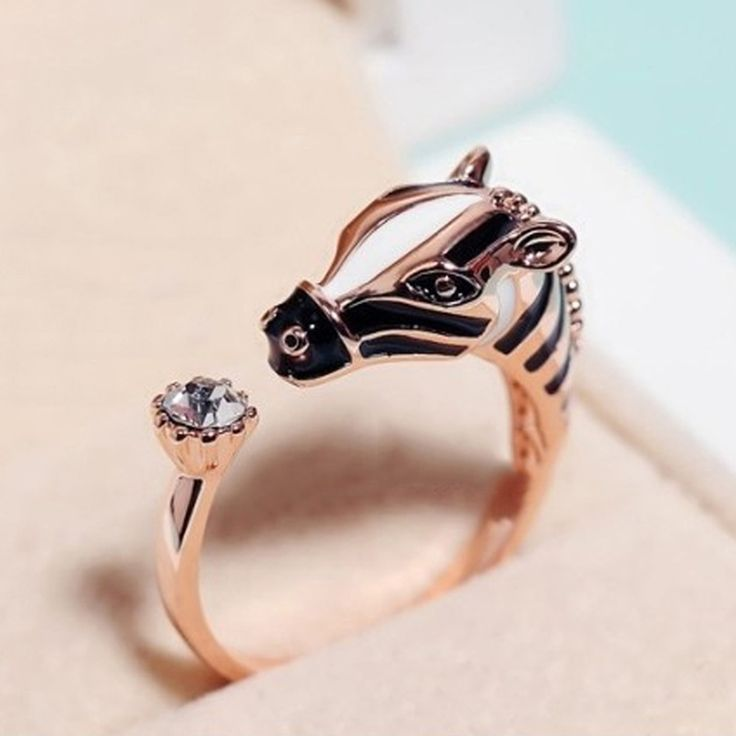 2016 Hot Sale Women Fashion Zebra Horse Head Adjustable Index Finger Opening Ring Characteristic Jewelry drop shipping RING-0238