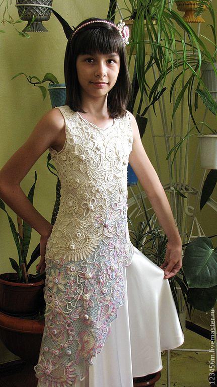 Купить или заказать Платье связанное крючком для девушек' Очарование' в интернет-магазине на Ярмарке Мастеров. Связано крючком в технике'ирландское кружево' с чехлом из атласа,авторская модель.В этом платье Вы будете само очарование и совершенство!!! Связать на заказ могу в любом размере.…