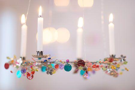 beautiful...   metal ring med blade og fine børneperler på ståltråd .-)
