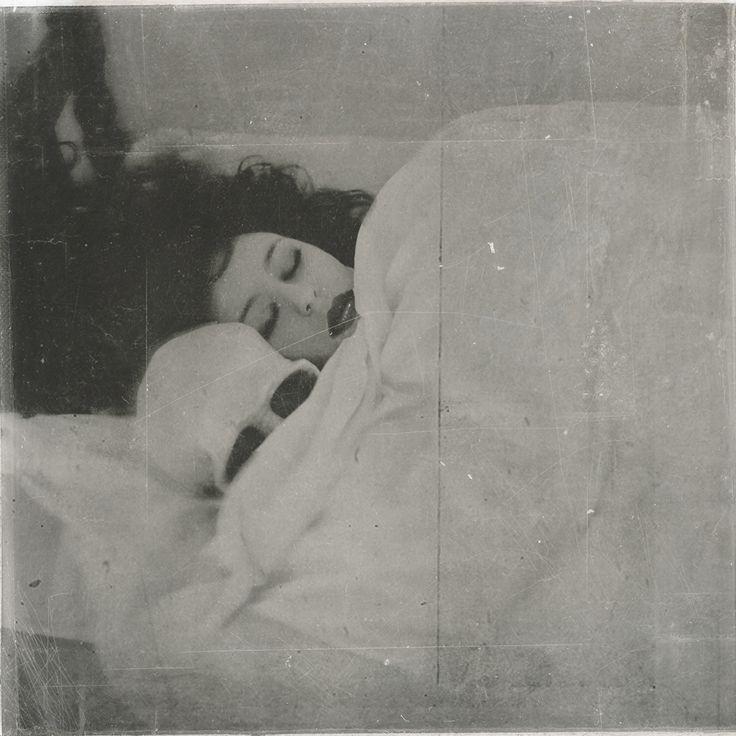 In bed - Rimel Neffati.