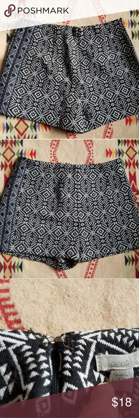 ECOTE High Waisted Blanket Knit Tribal Shorts 2 In great condition, worn and washed only once. Ecote Shorts