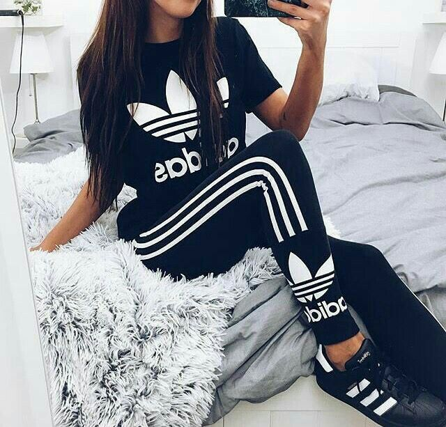 49 best adidas images on pinterest tenue adidas chaussures adidas et tenue de fitness. Black Bedroom Furniture Sets. Home Design Ideas