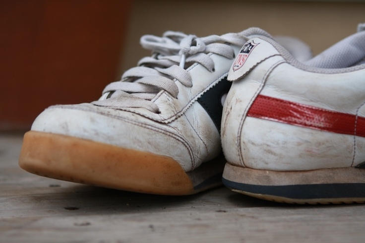 How To Clean White Tennis Shoes In The Washer
