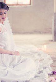 Iza menyasszonyi ruhánk