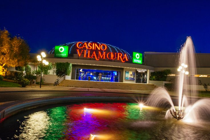 Try your luck at one of 20 blackjack, roulette and poker tables or 500 slot machines at Vilamoura Casino. There's an entrance fee and you'll also need your passport to get in. It's a stylish haunt, so men must wear a tie and a jacket. Blackjack, the casino's disco, is open until 3am and attracts a slightly older crowd.