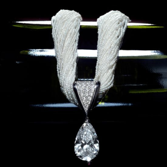 Fashion*Jewellery*Modern | Rosamaria G Frangini || Pendant with pearls and diamond DIAMOND DROP