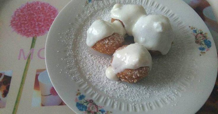 Mennyei Túrógombóc egyszerűen recept! Édesanyámtól tanultam ezt a receptet. Nem esik szét a gombóc. Nem marad nyers és persze nagyon finom.