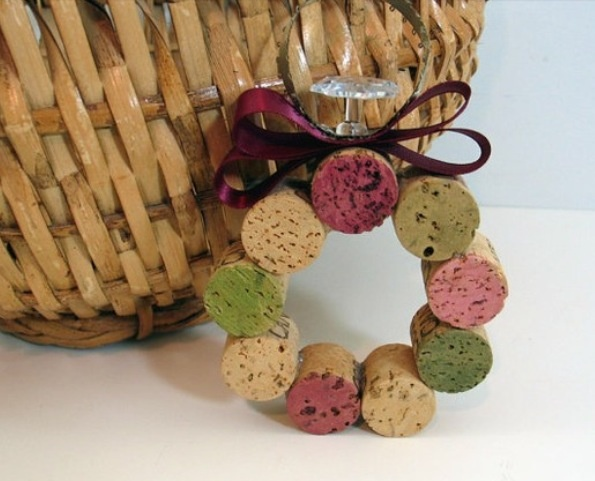 16 best images about christmas crafts on pinterest 12 for Cork balls for crafts