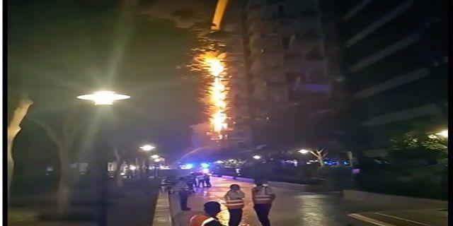 Apartemen Mewah Blok Palm di Dubai Terbakar - Indopress, Dubai – Sebuah blok apartemen kelas atas di pulau Palm buatan di Dubai di Uni Emirat Arab, pada Senin (12/12) terbakar, tetapi tidak ada laporan mengenai adanya korban, seperti …