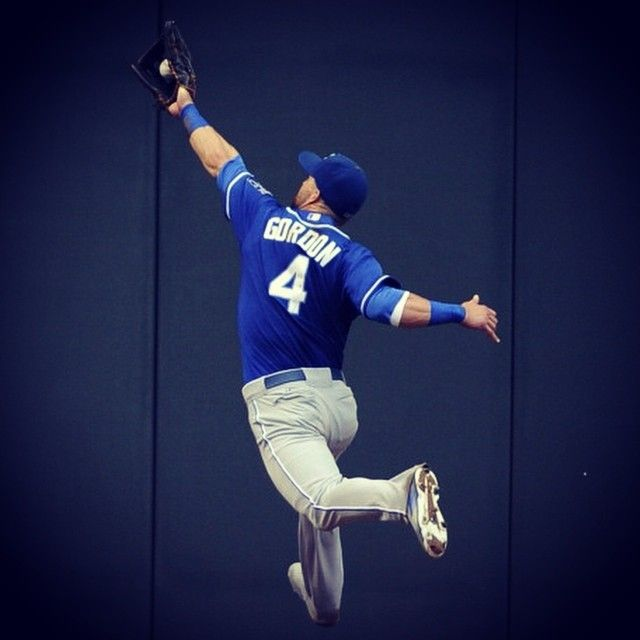 Alex Gordon doing what Alex Gordon does. #beroyalkc