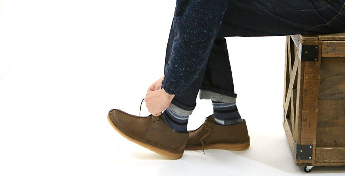 クラークス-シンプルなデザインと履き心地の良さで人気