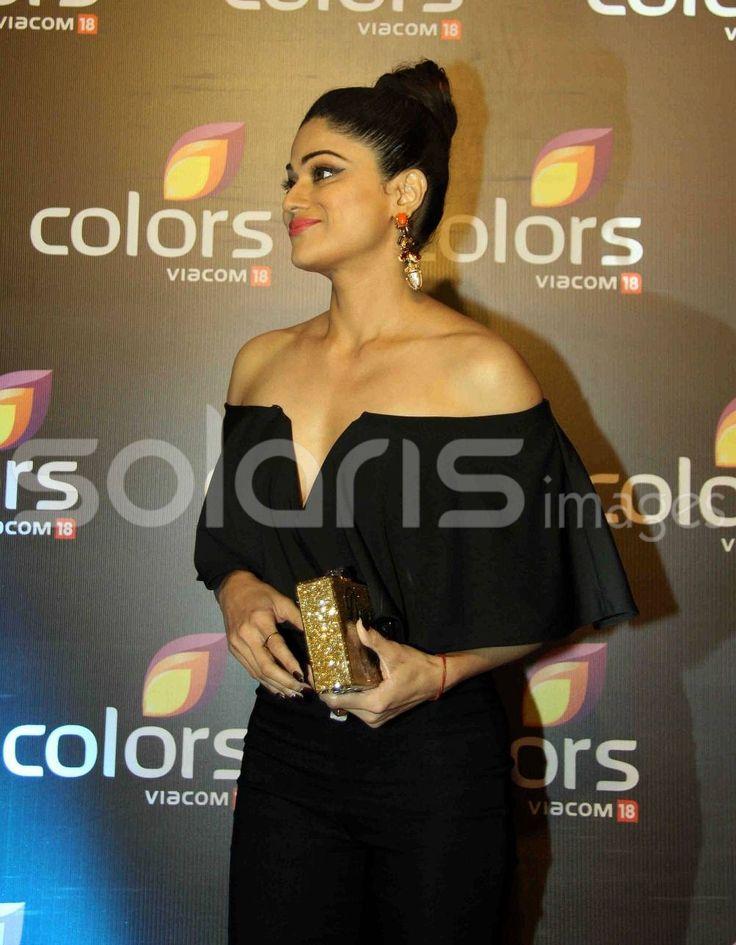 Shamita Shetty Looks Super hot in Black dress
