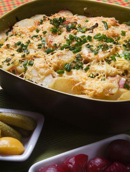 Francúzske zemiaky s údeninou a so syrom