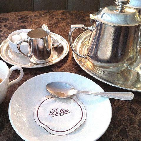 <b>Time for tea.</b>