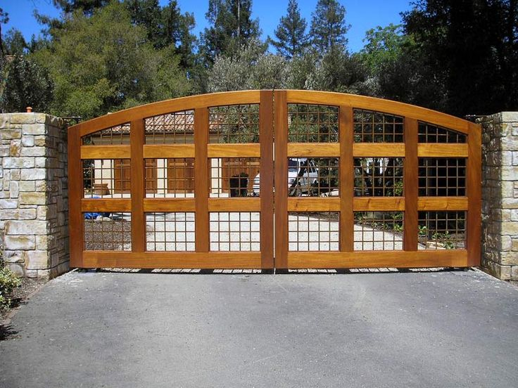 Best 25 Wooden Driveway Gates Ideas Only On Pinterest