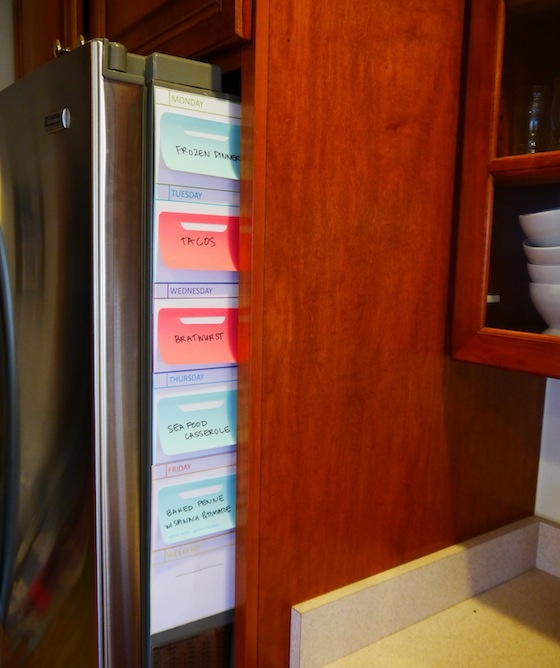 It Builds Character - Free printable weekly meal planner. Organizes meals and makes shopping easier.