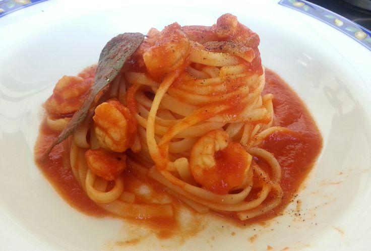 Linguine al sugo con gamberetti