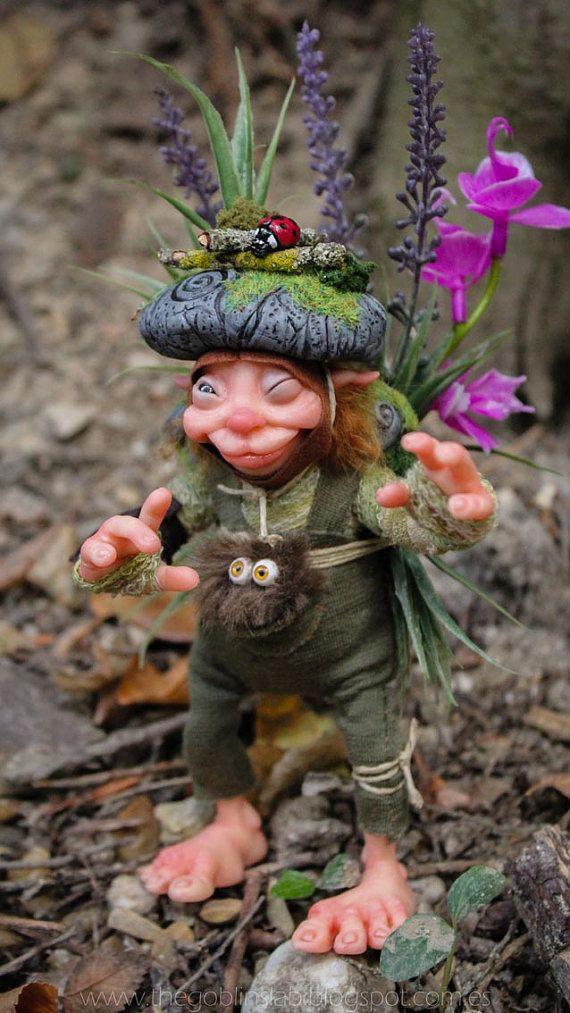Duende artesanal. criatura fantástica. Pixie de la maleza. Goblin por Goblins Lab. OOAK Doll. Mythical Creature Laboratory. Fantasy Art. *The Artist Web ( GoblinsLab ) :https://goo.gl/0Cc6op /  Criaturas Míticas hechas a mano, por el artista plástico  Moisés Espino. The Goblin´s Lab. Madrid, España. Hadas, Duendes, Trolls, Brownies, Goblins, Fairies, Elfs, Trolls, Gnomes, Pixies....Quieres adoptar a una criatura? *GoblinsLab Facebook: https://goo.gl/S39lGQ…