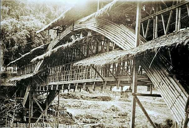 Jembatan bambu di atas sungai Citarum, Bandung, 1893