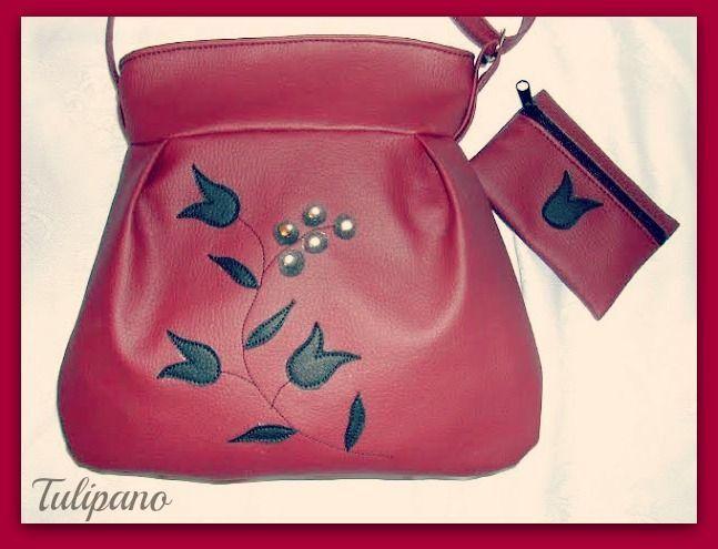 Bordó elegancia táska fekete tulipánokkal+ajándék pénztárca