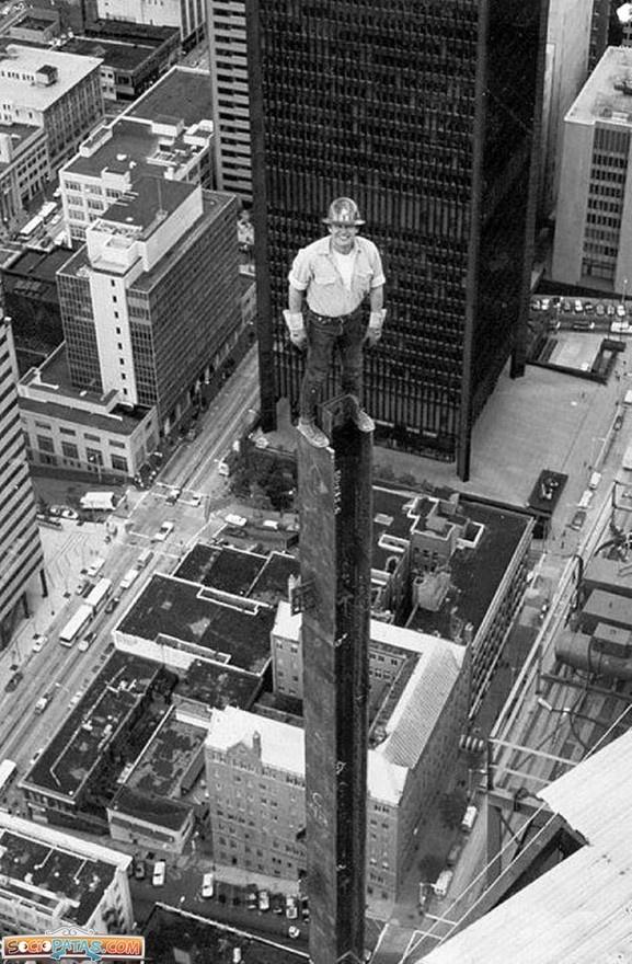 Obrero desde las alturas