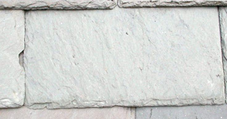 Como pintar uma varanda para que se pareça com pedra. Acabamentos de imitação permitem que pintores criem um visual diferente para uma varanda de concreto ou madeira. Usando técnicas de acabamento de imitação, é possível fazer com que o piso da sua varanda pareça um escultura de pedra, que as paredes e corrimão lembrem qualquer tipo de pedra, como calcário ou ardósia.