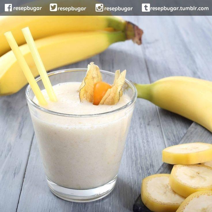 Resep Smoothies Pisang Jeruk Untuk Diet  Bahan-bahan : 1 buah pisang matang 2 buah jeruk manis 1 buah pir 100 ml air es  Cara membuat : 1. Kupas lalu potong-potong buah pisang. Buang biji buah jeruk dan pir. 2. Campur semua bahan lalu blender sampai menjadi bubur buah halus. 3. Siapkan gelas saji tuang kemudian segera sajikan smoothies buah untuk diet.  Catatan : Agar resep smoothie untuk menurunkan berat badan ini bisa memberikan efek nyata lakukan program detoksifikasi selama 3 hari…