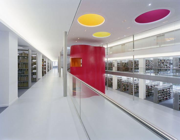 Biblioteca Central Municipal / KSP Jürgen Engel Architekten