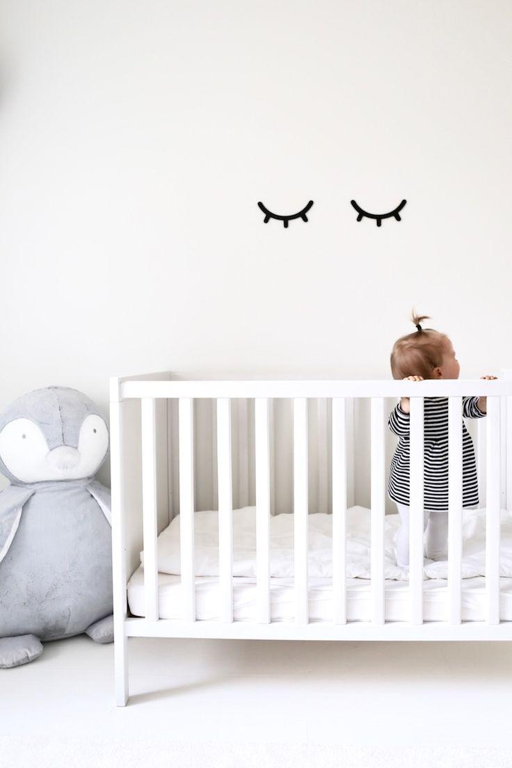 Homevialaura | neutral nursery | kids room | Myla & Oscar | Sleepy eyes | The White Company Snowy