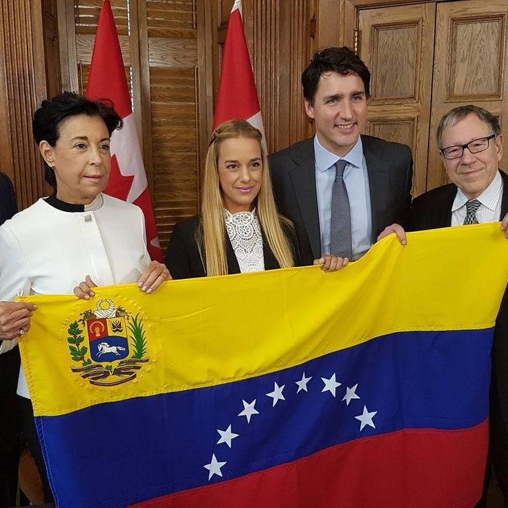 Venezuela, seguimos sumando voces por la democracia y los #DDHH en nuestro país. #canada nos recibió con los brazos abiertos. Los líderes de los bloques parlamentarios están muy atentos a la grave crisis política y humanitaria en #vzla  El Primer Ministro de Canadá #JustinTrudeau expresó sus deseos de democracia, respeto de los DDHH y libertad de los presos políticos. Confiamos en el compromiso de todos los líderes americanos con la democracia y los DDHH. La estabilidad de Venezuela es la…