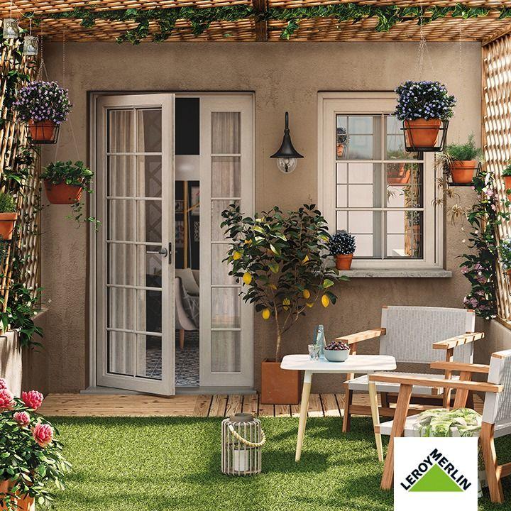 ¿Tienes un espacio al aire libre? ¡Entonces tienes un montón de posibilidades para disfrutar más de tu casa! Sea una pequeña terraza o un jardín, aquí encontrarás proyectos que podrás realizar al pie de la letra o adaptar a tu gusto. Y un montón de ideas ingeniosas y fáciles de realiza Outdoor Living, Outdoor Decor, Outdoor Gardens, Sweet Home, Backyard, Windows, Doors, Plants, Inspiration