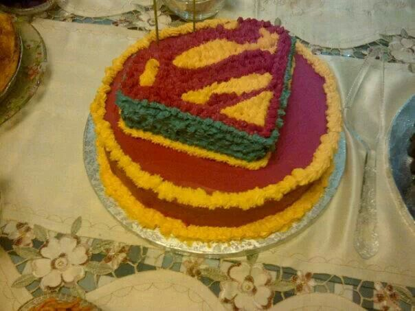 This cake i decided to make when my husband turned the BIG 30! His a big Superman fan and it kinda symbolised that he was our Superman. This cake i hand piped.