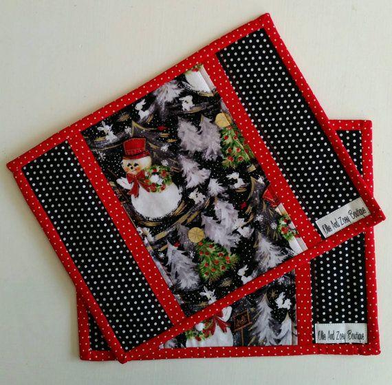 Check out this item in my Etsy shop https://www.etsy.com/ca/listing/243600650/christmas-mug-rug-holiday-mug-rug-snack