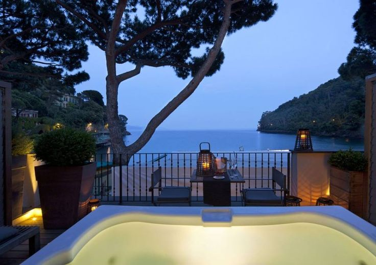 Discover the #Eight #Hotel: a #luxurious #resort in the bay of #Paraggi, (#Liguria region), near #Portofino.   ENG VERSION: http://top-yachtdesign.com/welcome-to-the-eight-hotel/ ITA VERSION: http://top-yachtdesign.com/it/welcome-to-the-eight-hotel/