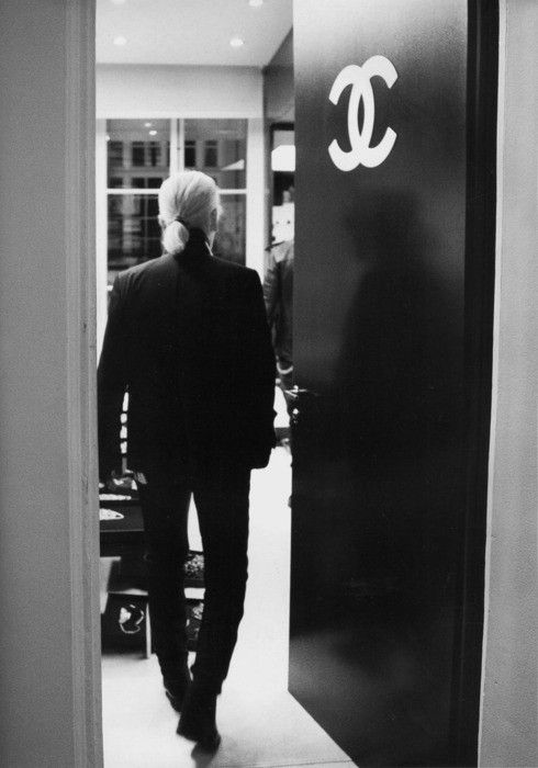 Karl Lagerfeld..Moving Forward The Coco Chanel Legacy! GENIUS