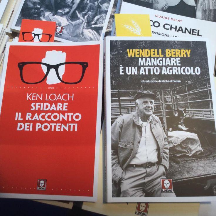 Dal twitter di Laura Ganzetti: @EdizioniLindau al #salTOur si identifica nell'opera di #kenloach e tra le novità #wendellberry