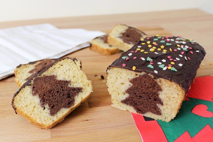 Il plumcake con sorpresa di Natale è un dolce molto semplice da realizzare ma con un cuore tutto da scoprire! Vediamo insieme come prepararlo...